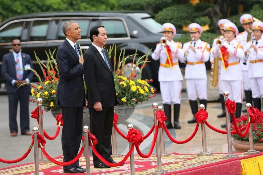 [Foto: President AS Barack Obama (kiri) dan Presiden Vietnam Tran Dai Quang (kanan) | Straitstimes.com]
