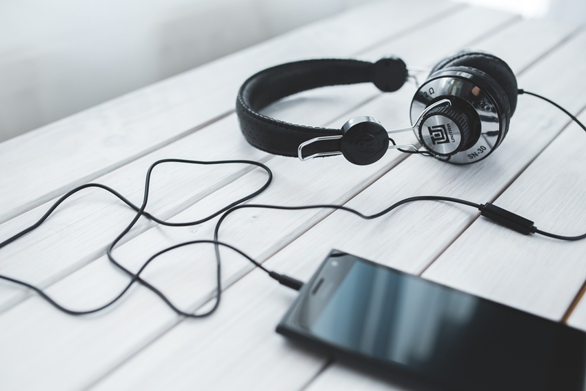 Trik Mudah Memperbaiki Headphone Yang Tidak Nyala Labana Id