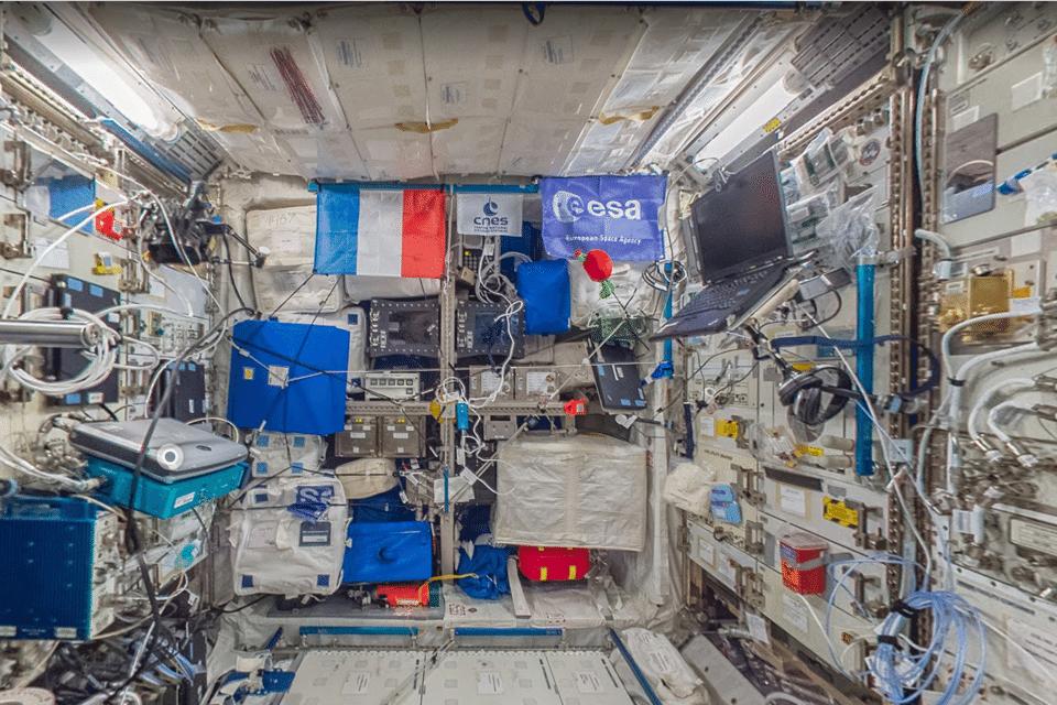 menjelajahi ruang angkasa di google street view - google