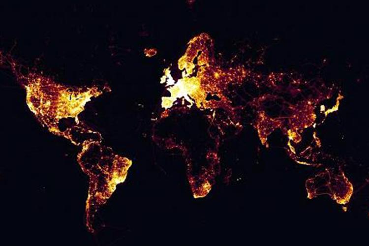 Sebuah screenshot dari peta panas Strava, yang menurut perusahaan terdiri dari satu miliar aktivitas yang tercatat di platformnya.