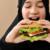 Gunakan 4 Aplikasi Ini Untuk Temukan Restoran dan Kuliner Halal di Luar Negeri
